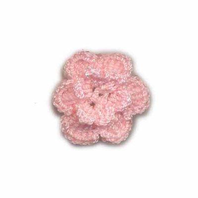 Gehaakt roosje licht roze 25 mm