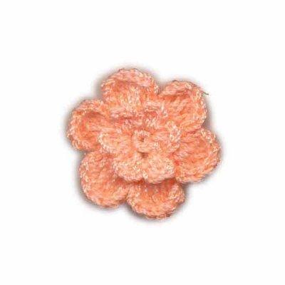 Gehaakt roosje zalm roze 25 mm