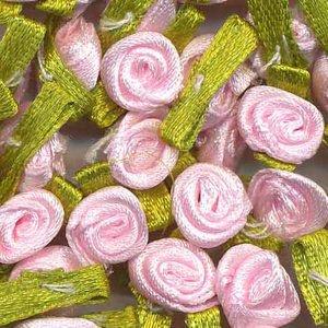 Satijnen roosjes op blad roze (ca. 100 stuks)